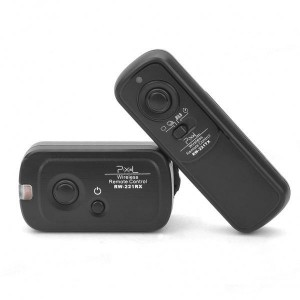 FSK 2.4GHz 16-Channel Wireless Shutter Release Remote Control for Olympus E1/E3/E10/E20(2xAAA/2xAAA)