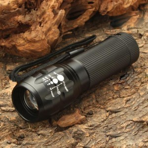 Cree Q3 3-Mode 220-Lumen White Zoom Convex Lens LED Flashlight w/ Strap (3 x AAA)