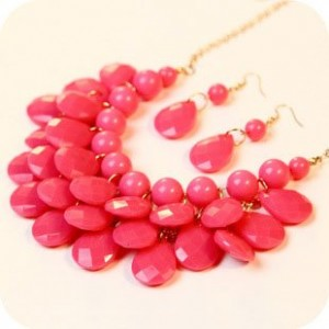 Euramercian Short Resin Water-drop String of Pearls Necklace and Serial Earrings