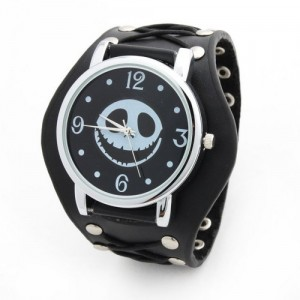 Unisex Punk Rock fashion Skeleton Pirate Skull Rivet Quartz Wrist Watch Leather Strap Bracelet