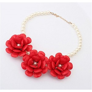 Simple Beauty Resin Flower Link White Round Pearl String Beaded Bib Necklace