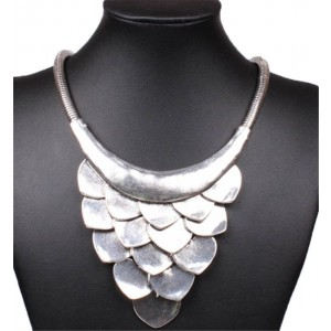 Tribal Tibet Silver Grape Cluster Scale Pendant Bib Choker Collar Necklace