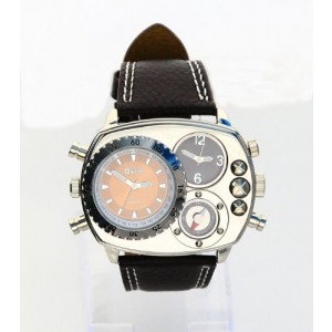 Oulm Man Metal Dial Watch with Quartz Movement/Compass/Brown dial